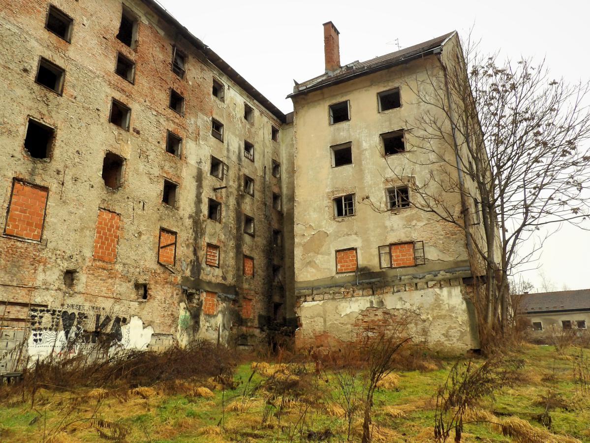 exploration urbaine en slovénie dans une usine abandonnée