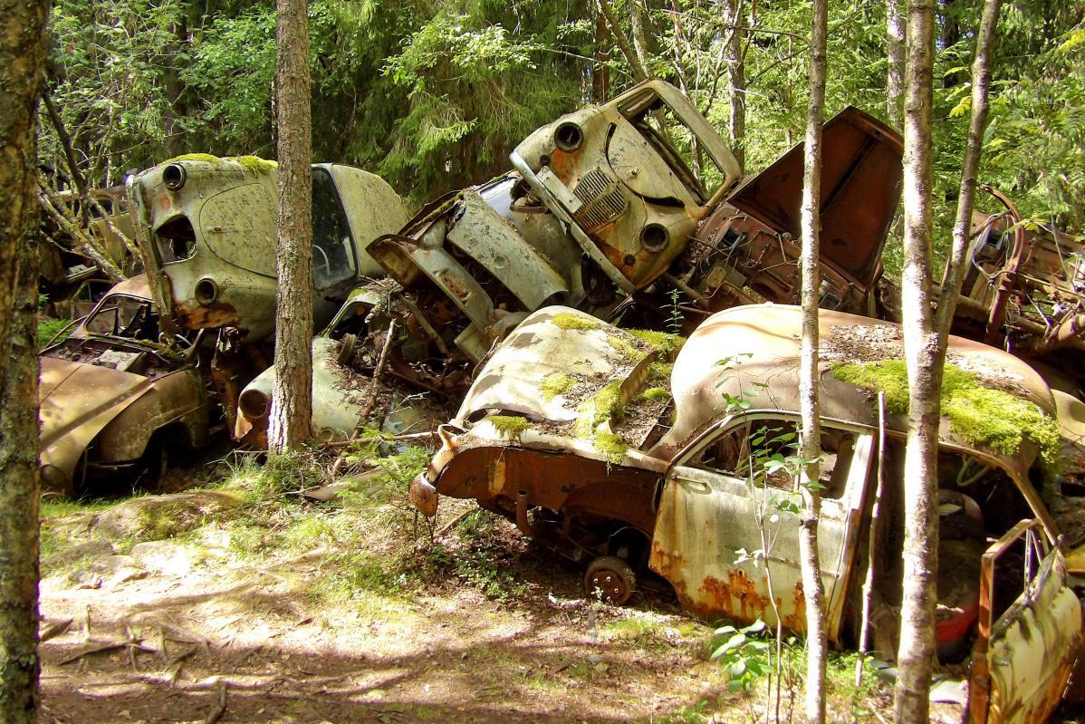 exploration urbaine suède cimetière de voitures