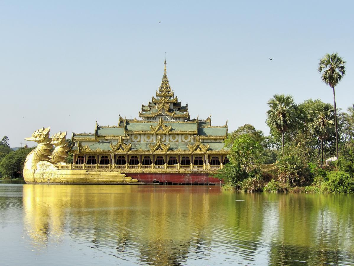 yangon myanmar lac kandawgyi