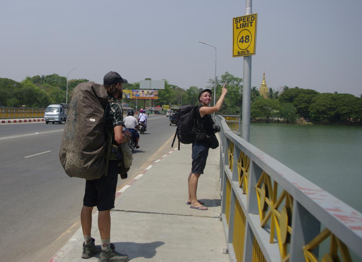 faire de l'autostop au Myanmar