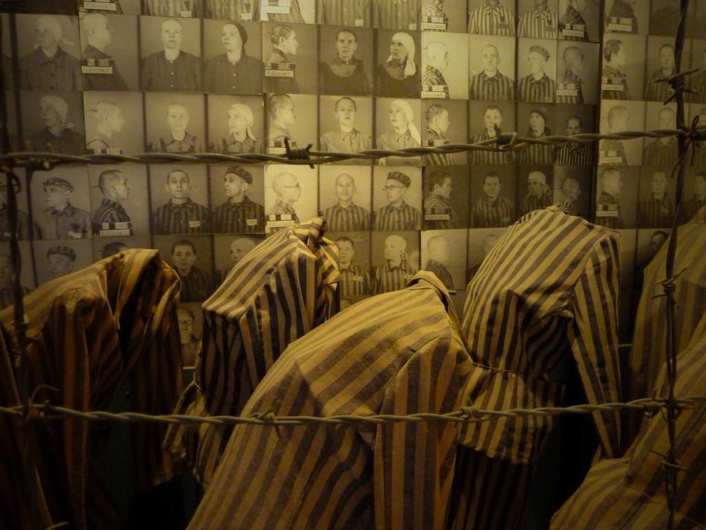 Tenues rayées des déportés, Auschwitz-Birkenau, Pologne
