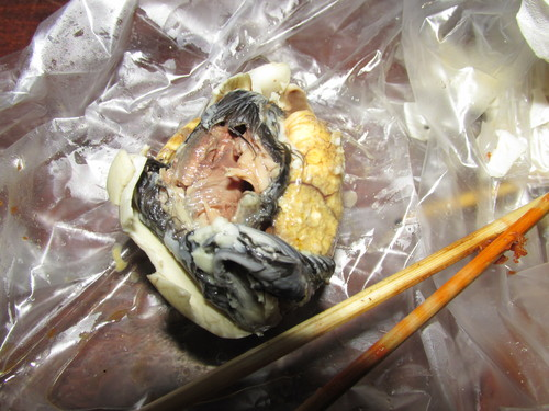 manger un foetus d'oeuf cambodge