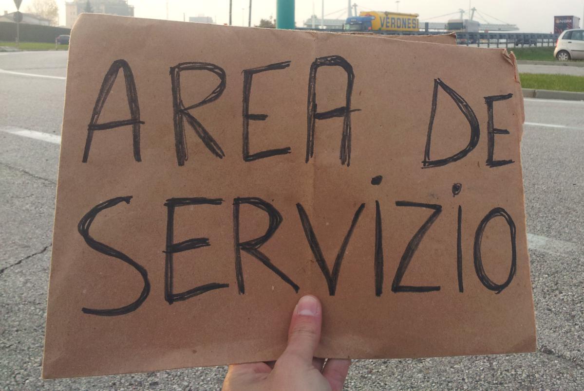 auto-stoppeur en italie