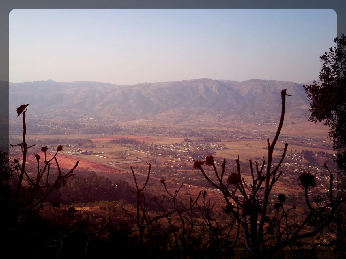 Vue sur M'babane depuis la montagne