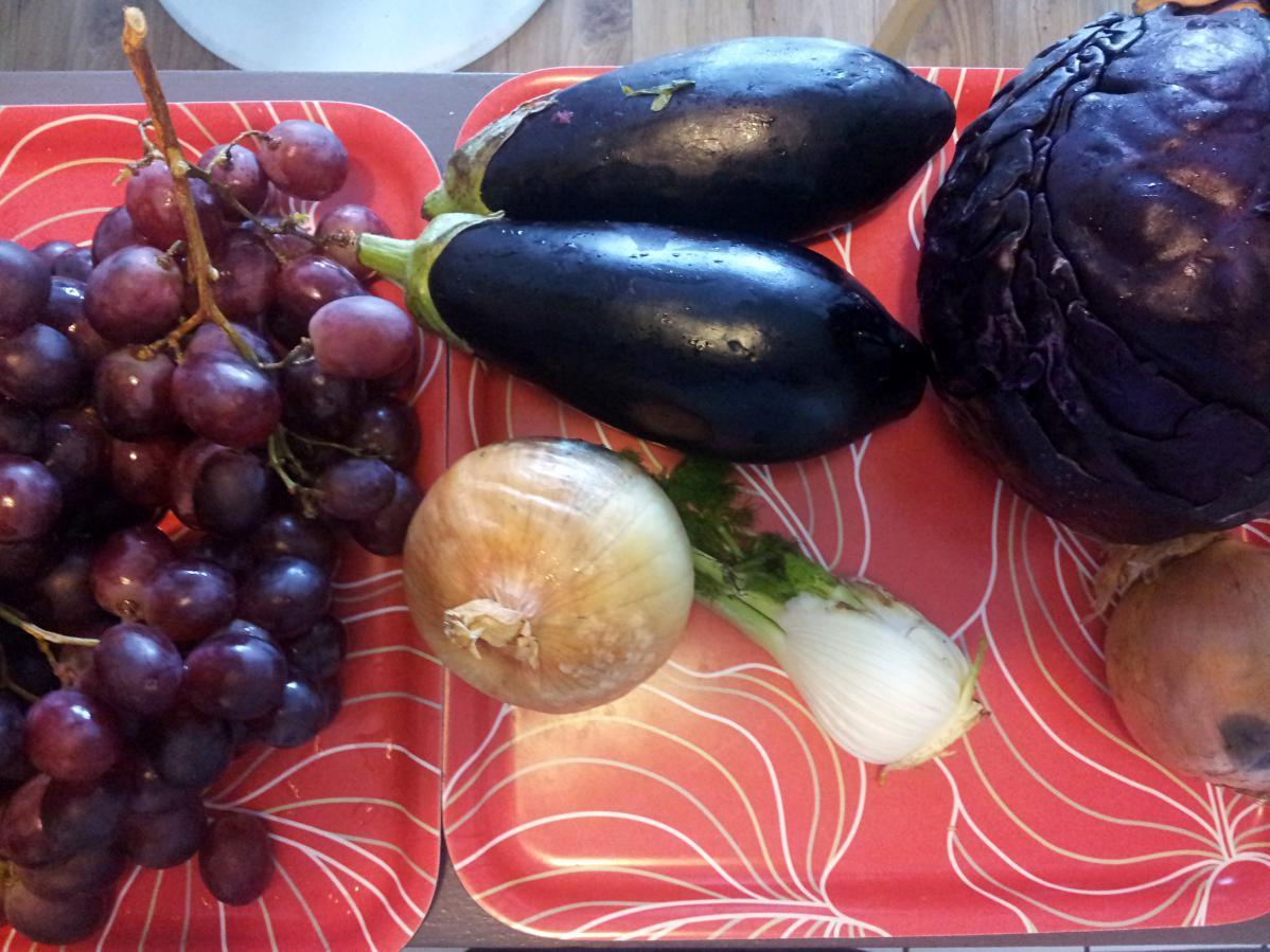 Glanage de légumes au marché de Bayonne