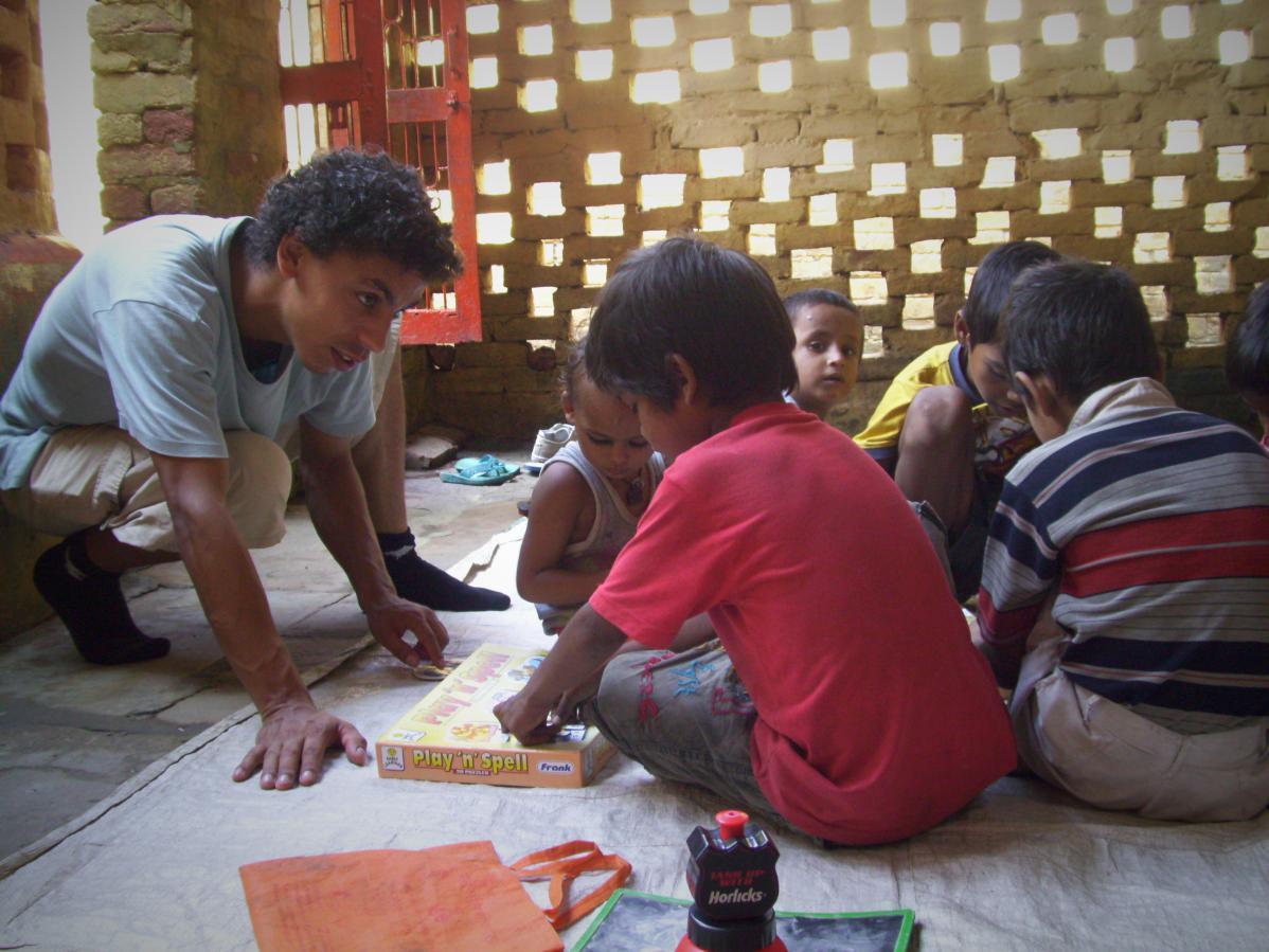 Volontariat dans les bidonvilles de Varanasi, en Inde