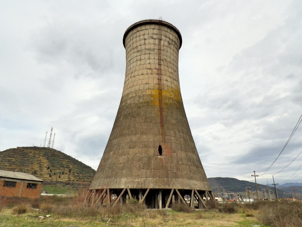exploration urbaine d'une centrale électrique abandonnée en albanie