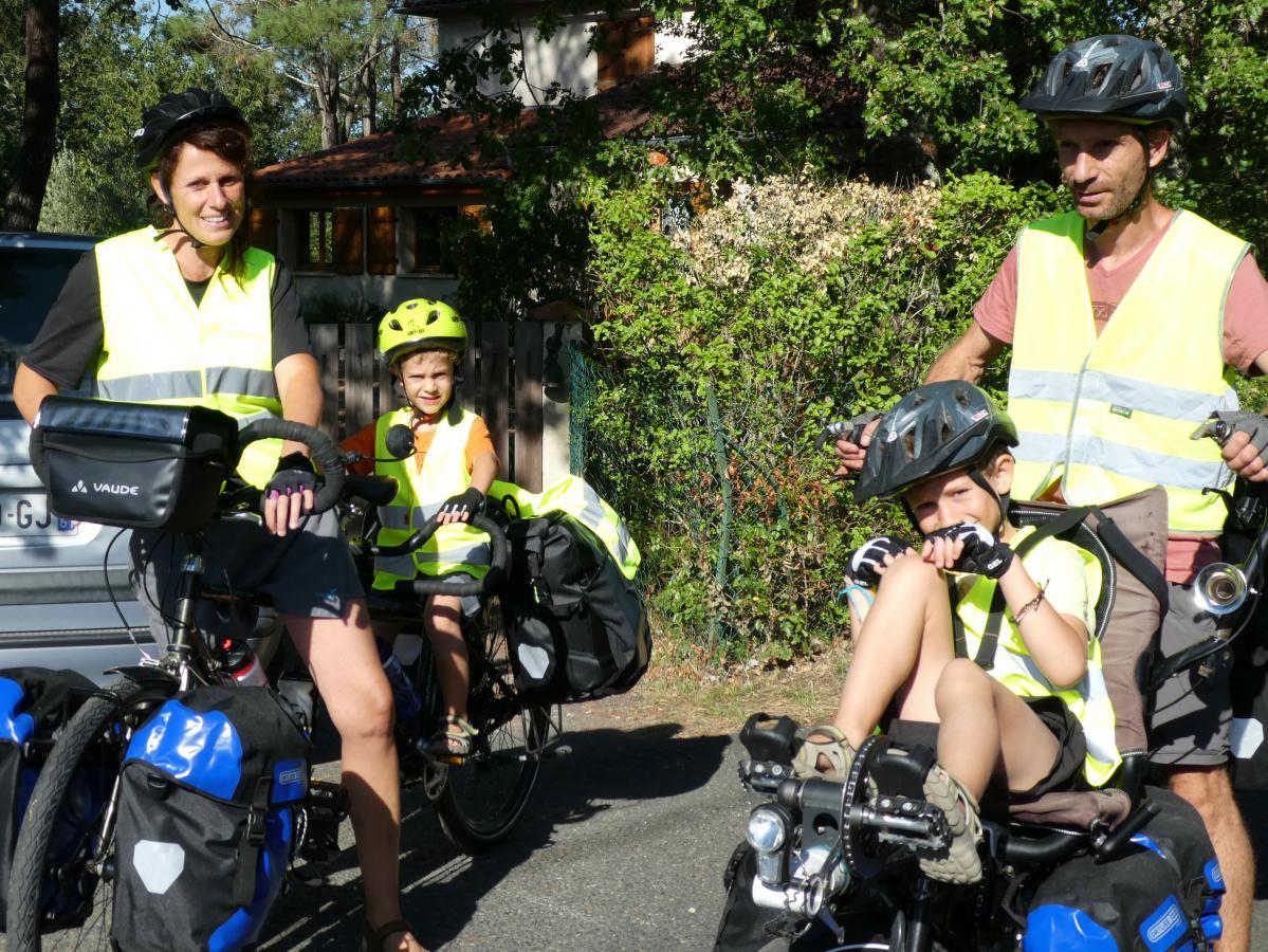 voyager en famille avec un vélo