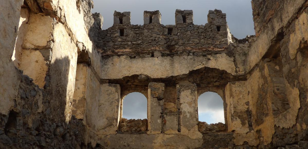 urbex grèce : château abandonné