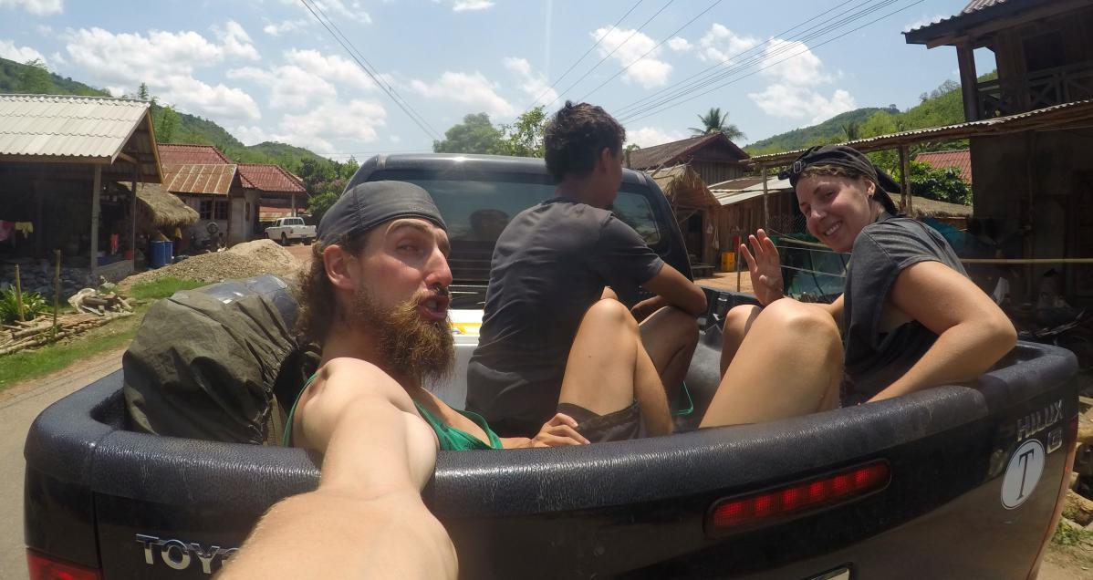 faire de l'auto-stop au Laos