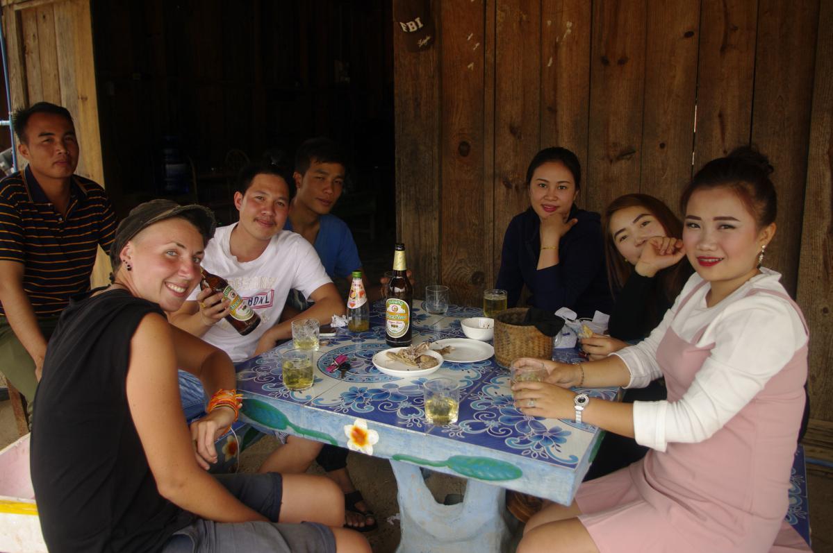 voyager en stop au laos
