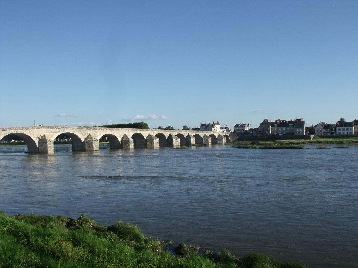 loire gien vieux pont