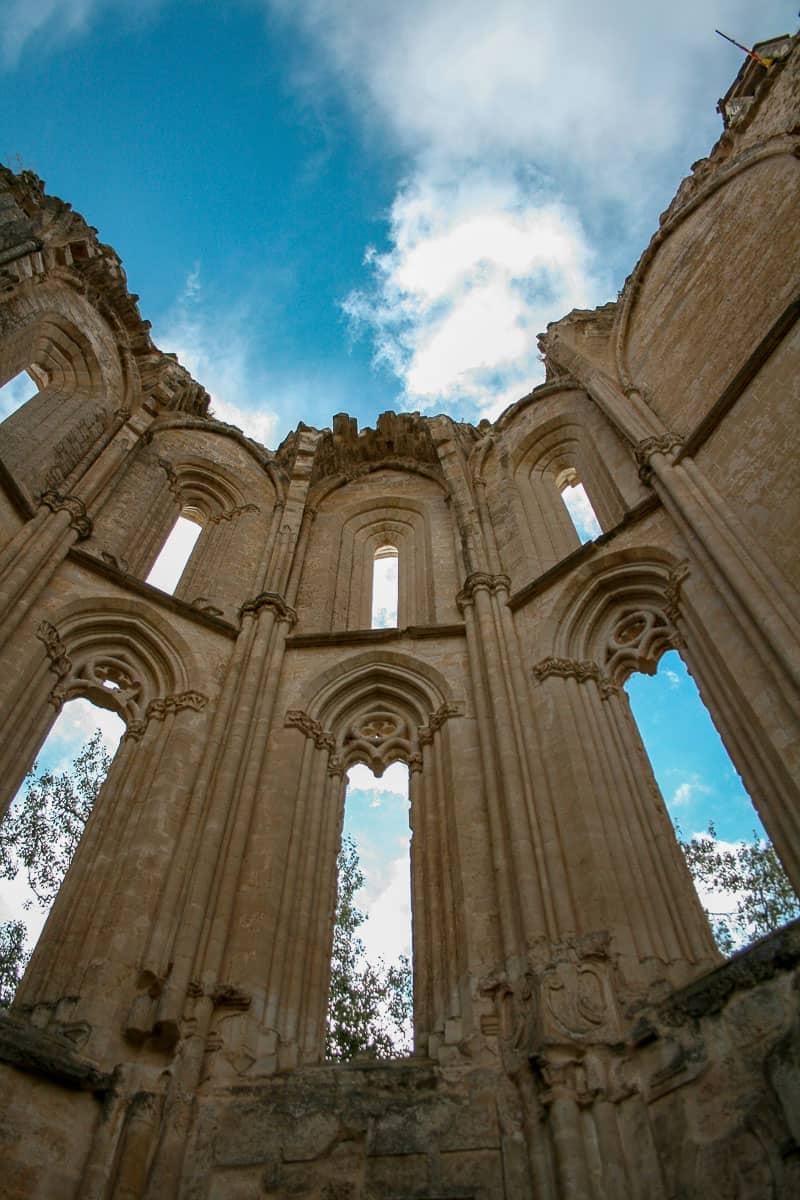 Monastère de San Anton, Espagne | Lire le récit de mon aventure sur le Chemin de Compostelle Espagnol (Camino Frances) : un pèlerinage de 800km, ou les plus beaux jours de ma vie... | Histoires de tongs, le blog voyage passionnément alternatif