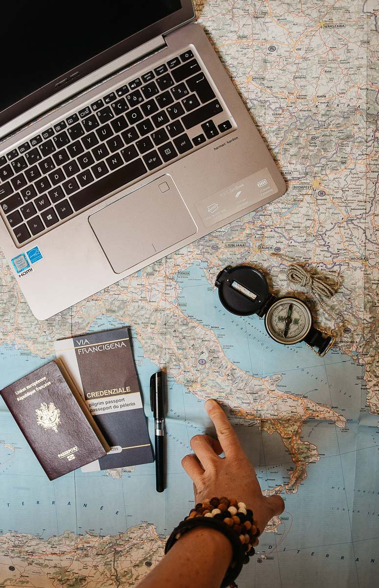 Retour sur mon expérience de pèlerinage sur le chemin de Rome (ou Via Francigena) : 2200km à pied de l'Angleterre à l'Italie, via la France et la Suisse... | Histoires de tongs, le blog voyage passionnément alternatif