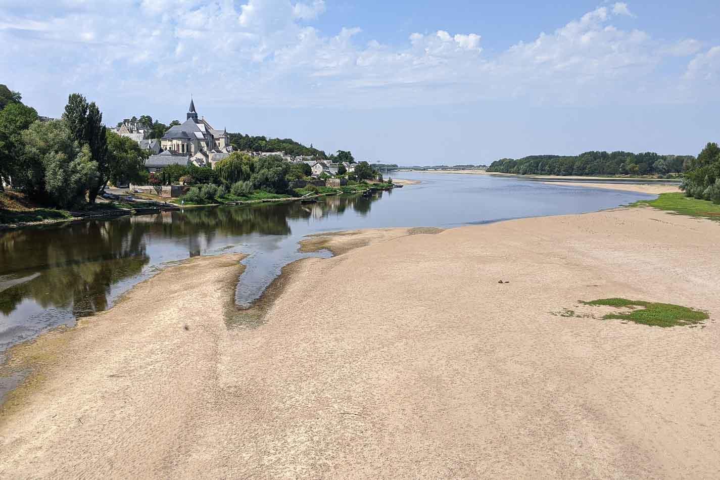La Loire pas à pas, de la source à l'estuaire