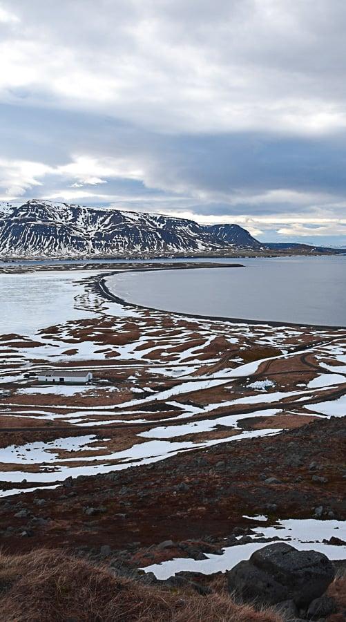 Siglufjörður en Islande : le point le plus septentrional du pays ! Carnet de voyage de ma traversée de la route 1 en auto-stop, sous tente et en plein hiver... | Histoires de tongs, le blog voyage passionnément alternatif