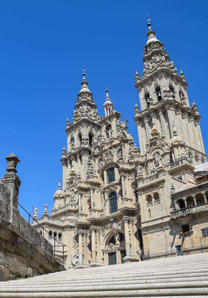 Visiter Compostelle en Galice : où manger et où dormir ? Retrouvez mes meilleures adresses et tous mes bons plans... | Histoires de tongs, le blog voyage passionnément alternatif